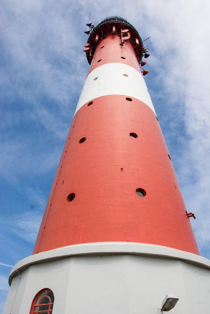 Leuchtturm Hörnum: Auf Höhe des weißen Rings war hier Deutschlands kleinste Schule beheimatet.